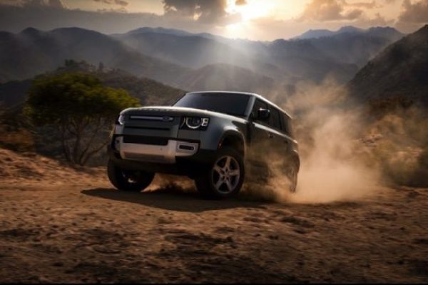 NEW LAND ROVER DEFENDER NAMED MOTORTREND 2021 SUV OF THE YEAR