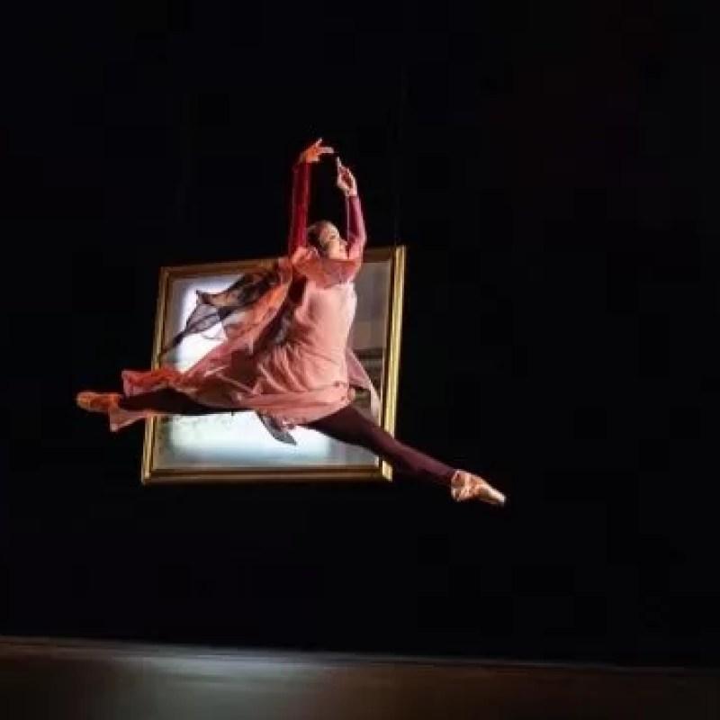 عرض مسرحي افتتاحي في المنطقة مع الأداء الأول لراقصة فرقة 'رويال باليه' في الإمارات