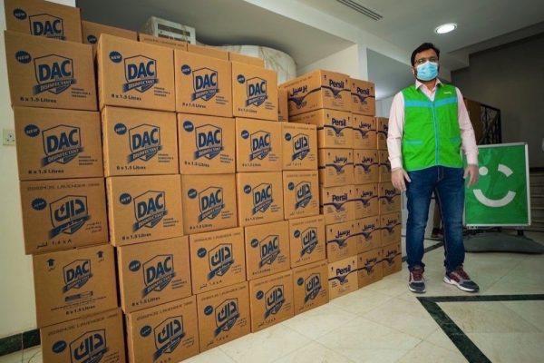 توزيع 50,000 لتر مجاناً من منتجات التعقيم والتنظيف