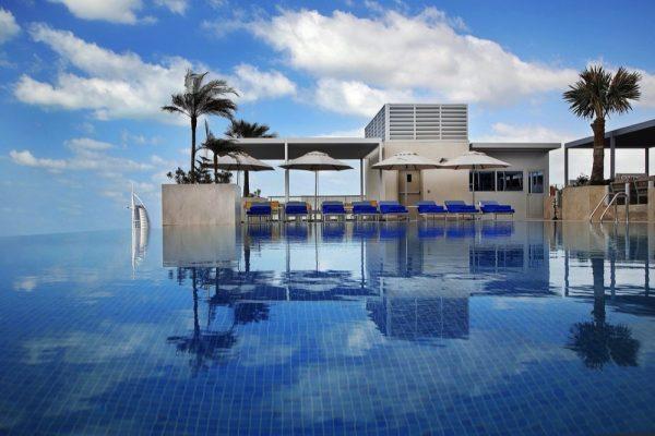 """فندق """"جراند كوزموبوليتان دبي"""" يفتتح أبوابه رسمياً"""