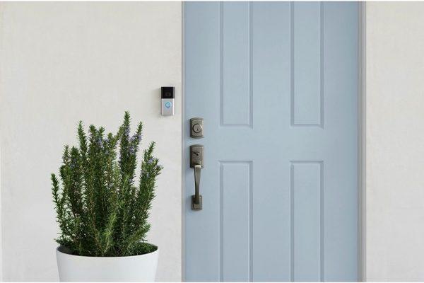 رينغ تعلن عن توفر جرس الباب بالفيديو Ring Video Doorbell 3 إمكانية شراء منتجات الشركة Ring Video Doorbell 3 و Ring Chime و Chime Pro عبر Amazon.ae وجامبو للإلكترونيات وفيرجين ميغاستورز بالإمارات