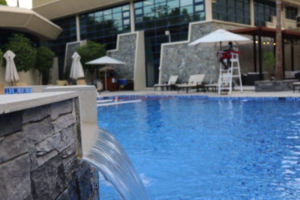 """""""نادي أفياشن دبي"""" يطلق أكاديمية السباحة للكبار والصغار  من مختلف مستويات المهارات"""
