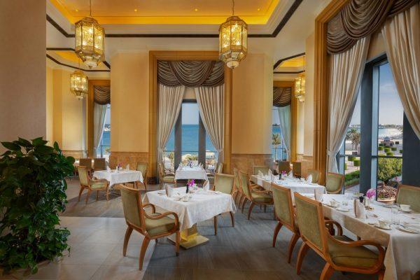 """أشهى الأطباق الشرق أوسطية في """"لو فاندوم"""" قصر الامارات"""