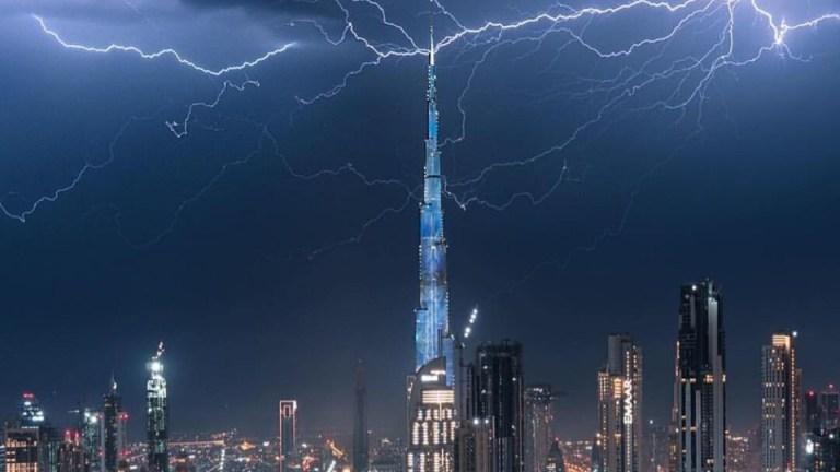 Dubai Rain lightning Burj Khalifa