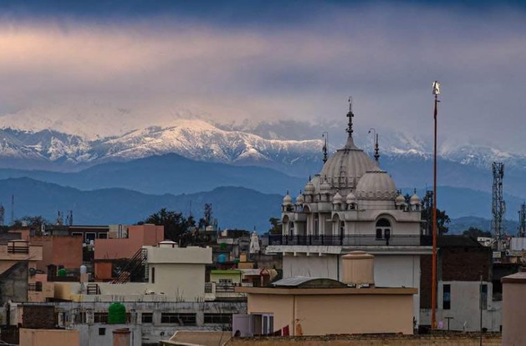 Himalayas seen for first time in 30 years