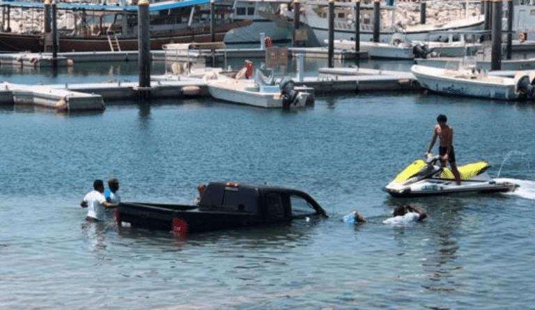 Car drives into the sea in Dubai after failing to unload jetski