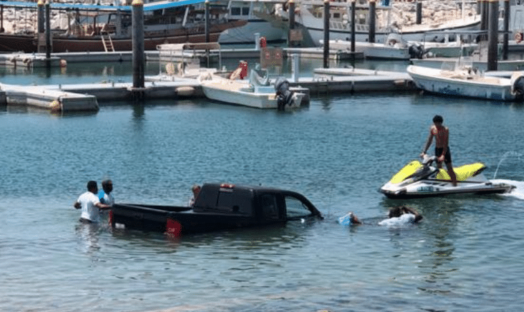 Car drives into the sea in Dubai after failing to unload jetski