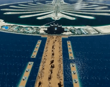 The proposed Pharaoh's Pass in Dubai would literally split the sea in half