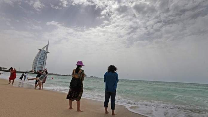 UAE beachgoers warned, rough sea forecast during weekend