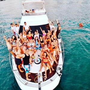 Luxury Yacht Party For Dubai Porta Potties