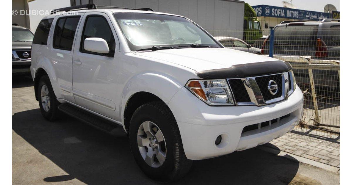2005 Nissan Pathfinder White