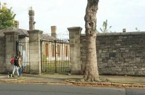 Acces gate