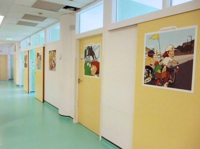 HFME-Bron-service-Acha-ambulatoire-decoration-albert-clementine-fresque-porte-1