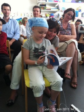 IHOP-lyon-ecole-hopital-livre-albert-clementine-enfants-remise-1