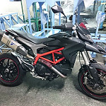 finish customize_Hypermotard 821