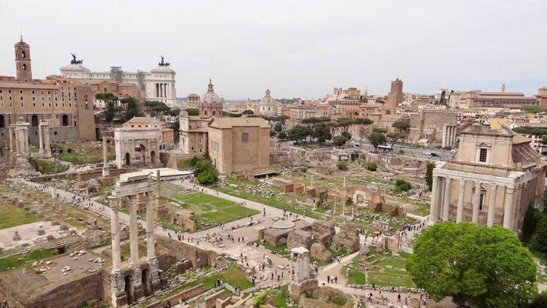 Zwiedzić Collosseo i Forum Romanum w niedzielę za darmo