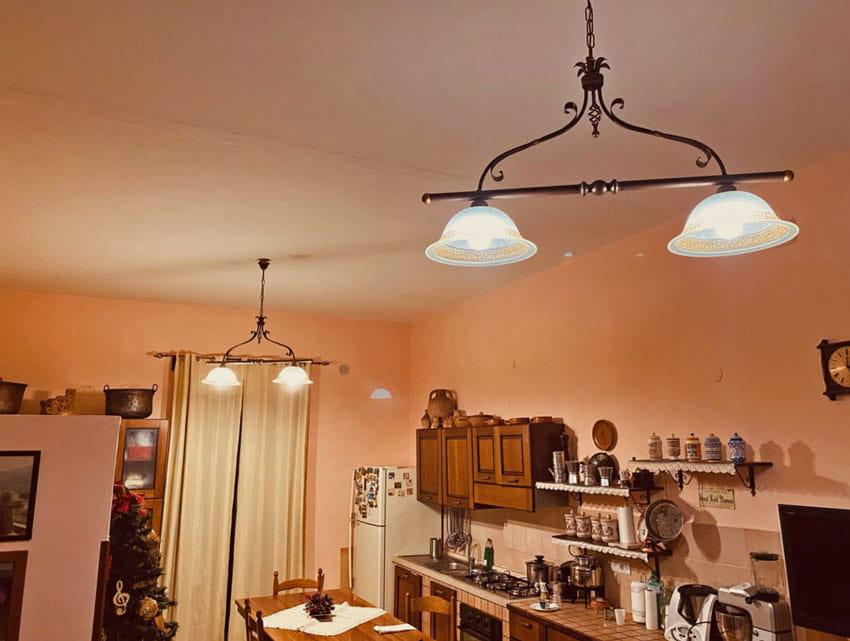 Ideale per ambienti in stile rustico, classico, consigliato per. Lampadario A Sospensione 2 Luci Per Cucina Rustica Art 413