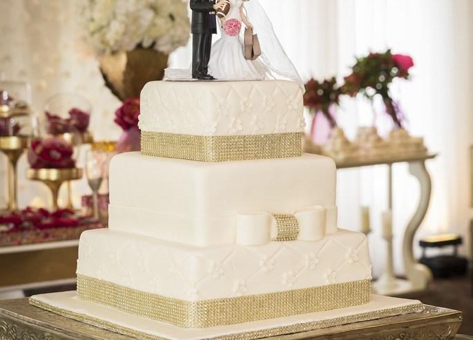 Pasta seçiminde göz önünde bulundurulması gereken en önemli şeylerden biri de o sezonun trendlerini takip etmektir. Hiçbir gelin demode bir düğün pastası istemez.