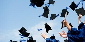 30 suất học bổng miễn 100% học phí  và vé máy bay
