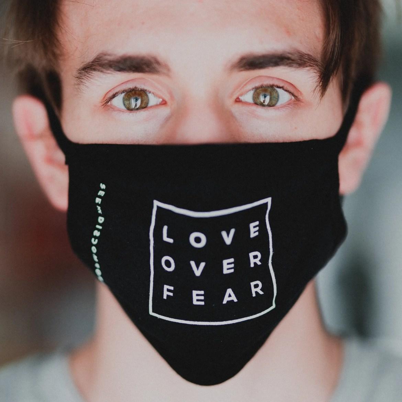 De ernstige bijwerkingen van het coronavirus: Kunnen we elkaar straks nog in de ogen kijken?