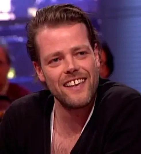 Natafelen over Jinek: Martijn Koning en de ontmaskering van de moraalridders van het vrije woord