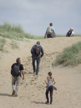 Wandelaars door Eric Wisse
