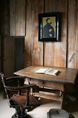 In dit kamertje vertaalde Luther de Bijbel.