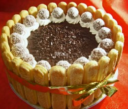 Tort cu ciocolata si piscoturi