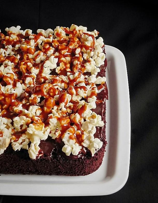 prajitura negresa cu ciocolata si popcorn