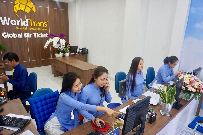 Một góc làm việc sàn giao dịch vé của WorldTrans.
