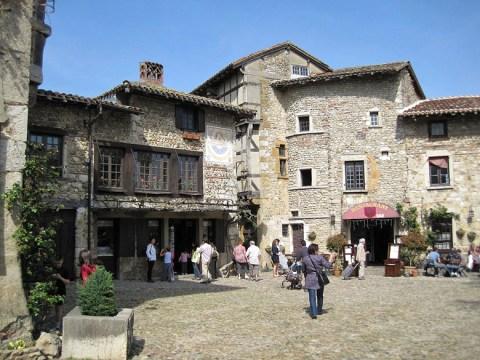 Làng Pérouges, Ain, Rhône-Alpes