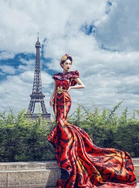 Quỳnh Thy mặc lộng lẫy, khoe sắc trên đất Pháp