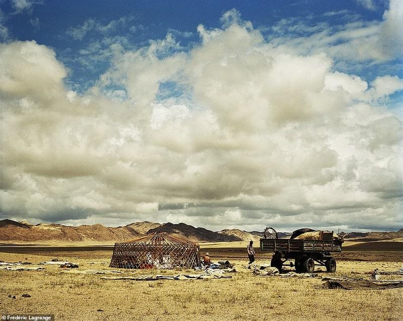 Một Mông Cổ đời thường chân thực và sống động qua ảnh của Frederic Lagrange