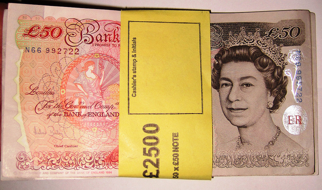 Bundle of £50 Notes - By Images Money