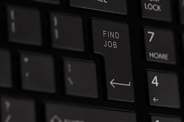How To Be A Stand-Out Job Candidate