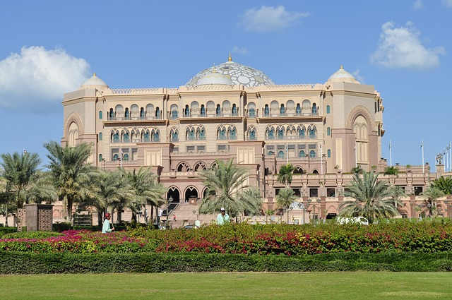 The 5 Most Insanely Luxurious Hotels in the World - Emirates Palace Hotel, Abu Dhabi