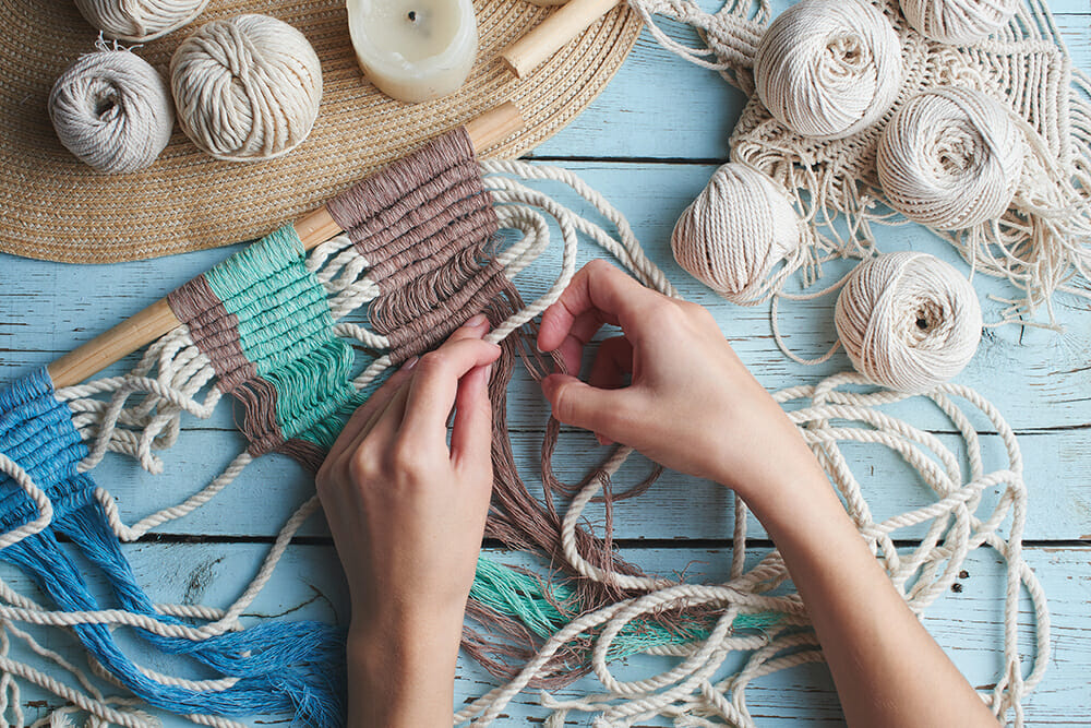 Craft knitting macrame