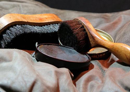 lip balm for shoe shine