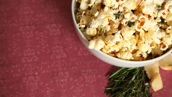 popcorn with herbs and garlic