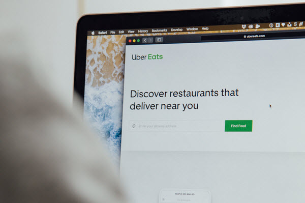 building a food delivery app online