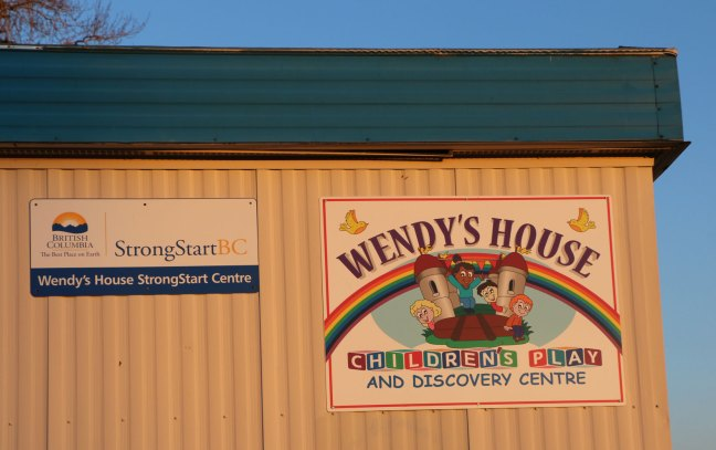 Signs on Wendy's House Children's Play and Discovery Centre, 19 November 2018 (photo by DuncanTaxpayers.ca)