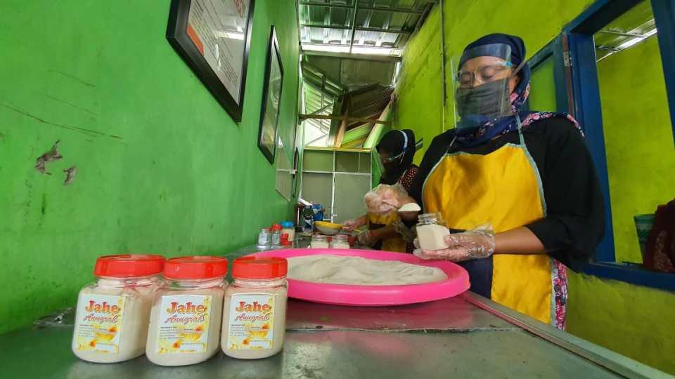 Permintaan Meningkat, Mitra Binaan Pertagas Operation West Java Area Kembangkan Jamu Serbuk