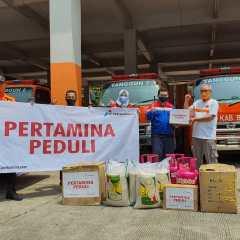 Pertagas Serahkan Bantuan Bencana Banjir Gunung Mas Puncak