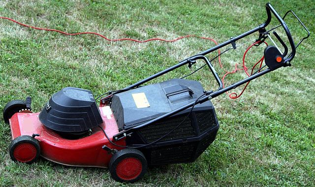 The advantages of using an electric lawn mower