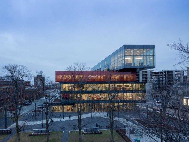 Halifax Merkez Kütüphanesi - Kanada