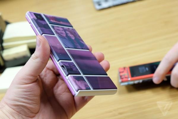 Gördüğünüz telefonun her bir parçası ayrı bir donanım bileşenini içeriyor. Aynen bir LEGO gibi telefonunuzu dilediğiniz gibi kendiniz oluşturabiliyorsunuz.