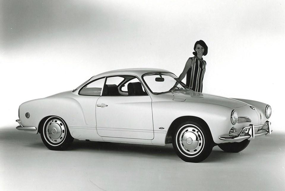 Şahsen en sevdiğim klasiklerden Volkswagen Karmann Ghia'nın İtalyan imzalı olduğunu da bu makale sayesinde öğrenmiş oldum. Böyle bir modelin bir Alman elinden çıkmayacağını tahmin etmeliydim oysa.