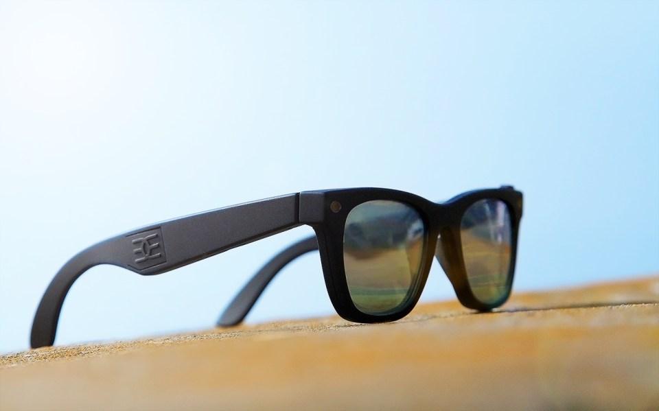Vergence Labs,Snapchat tarafından satın alınmadan önce Epiphany Eyewear adlı kameralı gözlükleri üretiyordu.