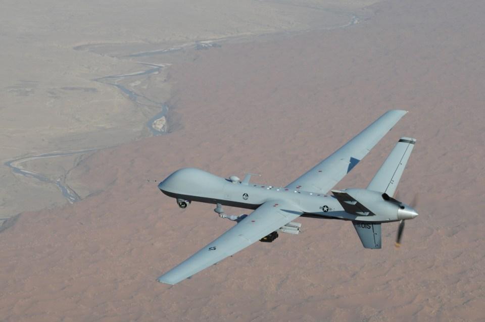 Keşif amaçlı üretilen İHA'lar günümüzde birçok saldırı görevinde de kullanılmaktadır. Militanlara karşı birçok başarılı saldırı gerçekleştiren bu hava araçları çoğu zaman sivil hedefleri de vurarak insan ölümlerine neden olmaktadır.