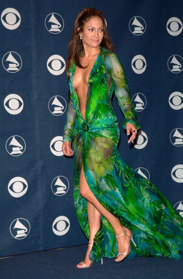 Jennifer-Lopez_Versace